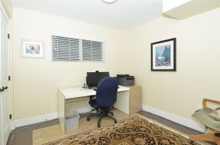 """Photo 26: 15478 COLUMBIA Avenue: White Rock House for sale in """"Hillside"""" (South Surrey White Rock)  : MLS®# R2572155"""