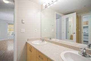 "Photo 8: 214 147 E 1ST Street in North Vancouver: Lower Lonsdale Condo for sale in ""CORONADO"" : MLS®# R2131365"