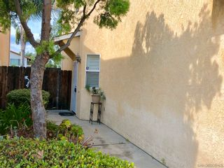 Photo 3: EL CAJON House for sale : 3 bedrooms : 1586 Rebecca Ln