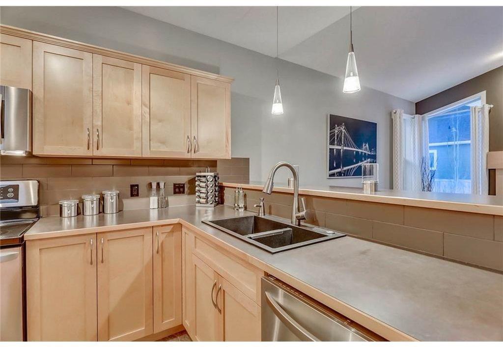 Photo 8: Photos: 434 Boulder Creek Drive SE: Langdon Detached for sale : MLS®# A1066594