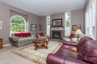 Photo 2: 1613 142 STREET in Surrey: Sunnyside Park Surrey House for sale (South Surrey White Rock)  : MLS®# R2030675