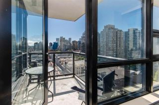 """Main Photo: 1610 977 MAINLAND Street in Vancouver: Yaletown Condo for sale in """"Yaletown Park 3"""" (Vancouver West)  : MLS®# R2579634"""