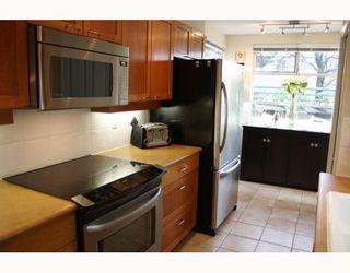 """Photo 3: 101 2575 W 4TH Avenue in Vancouver: Kitsilano Condo for sale in """"SEAGATE"""" (Vancouver West)  : MLS®# V803860"""