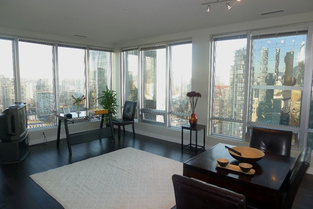 """Main Photo: 1601 989 NELSON Street in Vancouver: Downtown VW Condo for sale in """"THE ELECTRA"""" (Vancouver West)  : MLS®# V929177"""