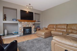 Photo 7: 23475 109 Loop in Maple Ridge: Albion House for sale : MLS®# R2045360