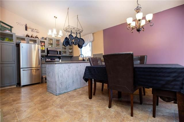 Photo 4: Photos: 246 Tufnell Drive in Winnipeg: River Park South Residential for sale (2F)  : MLS®# 1918544