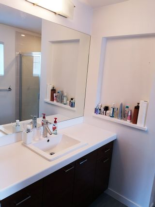"""Photo 8: 28 8767 162 Street in Surrey: Fleetwood Tynehead Townhouse for sale in """"Taylor By Mosaic"""" : MLS®# R2531804"""