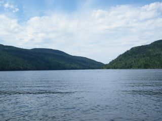 Photo 4: 5115 East Barriere FSR in East Barriere Lake: House for sale