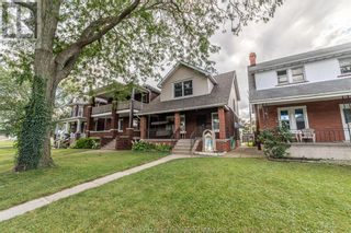 Photo 2: 983 BRUCE AVENUE in Windsor: House for sale : MLS®# 21017482