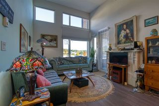 """Photo 10: 404 875 GIBSONS Way in Gibsons: Gibsons & Area Condo for sale in """"Soames Place"""" (Sunshine Coast)  : MLS®# R2511351"""
