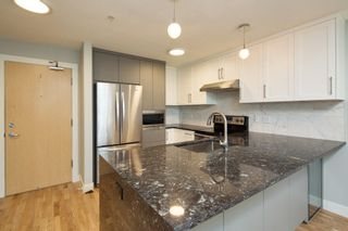 """Photo 4: 206 3142 ST JOHNS Street in Port Moody: Port Moody Centre Condo for sale in """"SONRISA"""" : MLS®# R2254973"""
