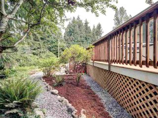 Photo 4: 17 240 HARRY Road in Gibsons: Gibsons & Area Manufactured Home for sale (Sunshine Coast)  : MLS®# R2588608