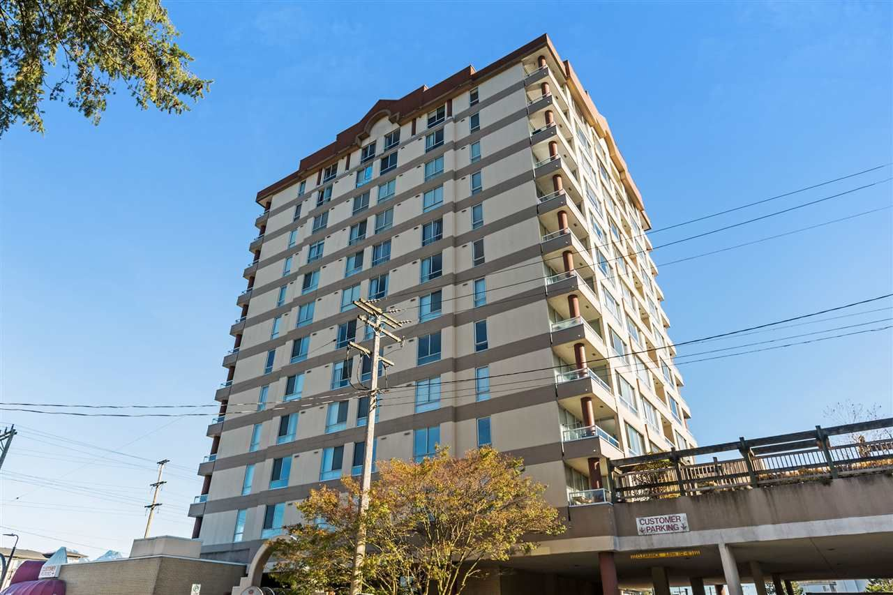 """Main Photo: 203 11980 222 Street in Maple Ridge: West Central Condo for sale in """"GORDON TOWERS"""" : MLS®# R2217152"""