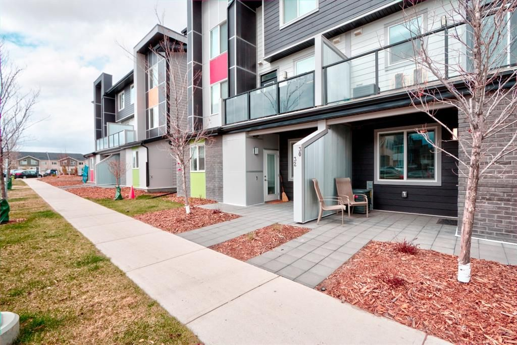 Main Photo: 30 Redstone Way NE in Calgary: Redstone Row/Townhouse for sale : MLS®# A1102925