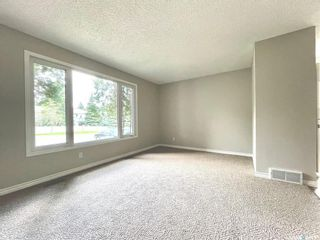 Photo 5: 313 La Ronge Road in Saskatoon: River Heights SA Residential for sale : MLS®# SK859361