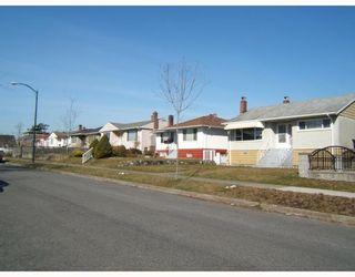 """Photo 4: 2579 E 42ND Avenue in Vancouver: Killarney VE House for sale in """"KILLARNEY"""" (Vancouver East)  : MLS®# V756949"""