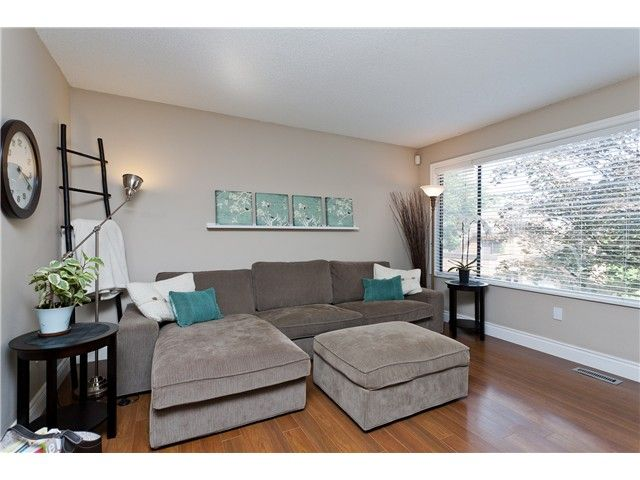 "Photo 6: Photos: 411 CARDIFF Way in Port Moody: College Park PM Townhouse for sale in ""EAST HILL"" : MLS®# V1021161"