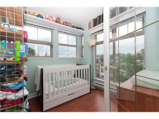 "Photo 6: 402 688 E 16TH Avenue in Vancouver: Fraser VE Condo for sale in ""VINTAGE EASTSIDE"" (Vancouver East)  : MLS®# V833214"