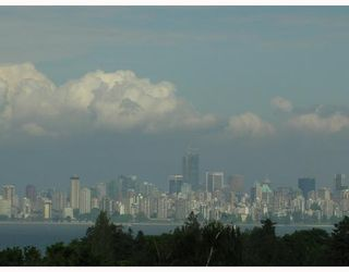 Photo 3: 4659 BELMONT Avenue in Vancouver: Point Grey House for sale (Vancouver West)  : MLS®# V690769