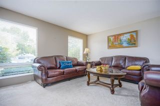 Photo 3: 15484 19 Avenue in Surrey: King George Corridor House for sale (South Surrey White Rock)  : MLS®# R2398510