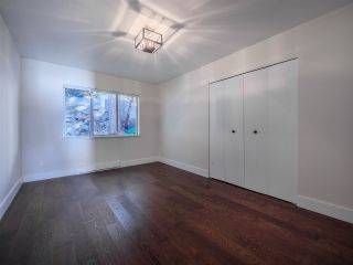 "Photo 26: 7101 DALE Road in Sechelt: Sechelt District House for sale in ""Caleda Estates"" (Sunshine Coast)  : MLS®# R2515160"