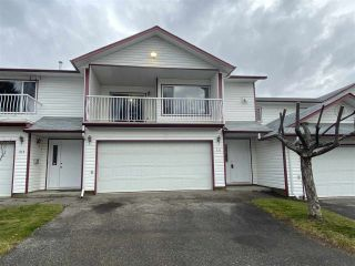 Photo 2: 211 3307 WESTWOOD Drive in Prince George: Peden Hill Townhouse for sale (PG City West (Zone 71))  : MLS®# R2415634