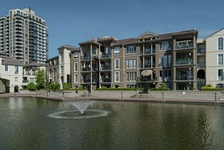 """Photo 30: 102 2 RENAISSANCE Square in New Westminster: Quay Condo for sale in """"The Lido"""" : MLS®# R2467538"""