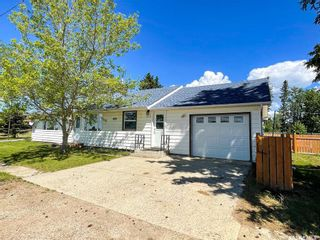 Photo 3: 103 2nd Avenue South in Goodsoil: Residential for sale : MLS®# SK844260