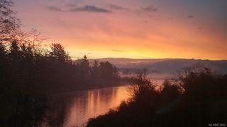 Photo 4: 304 1944 Riverside Lane in : CV Courtenay City Condo for sale (Comox Valley)  : MLS®# 873452