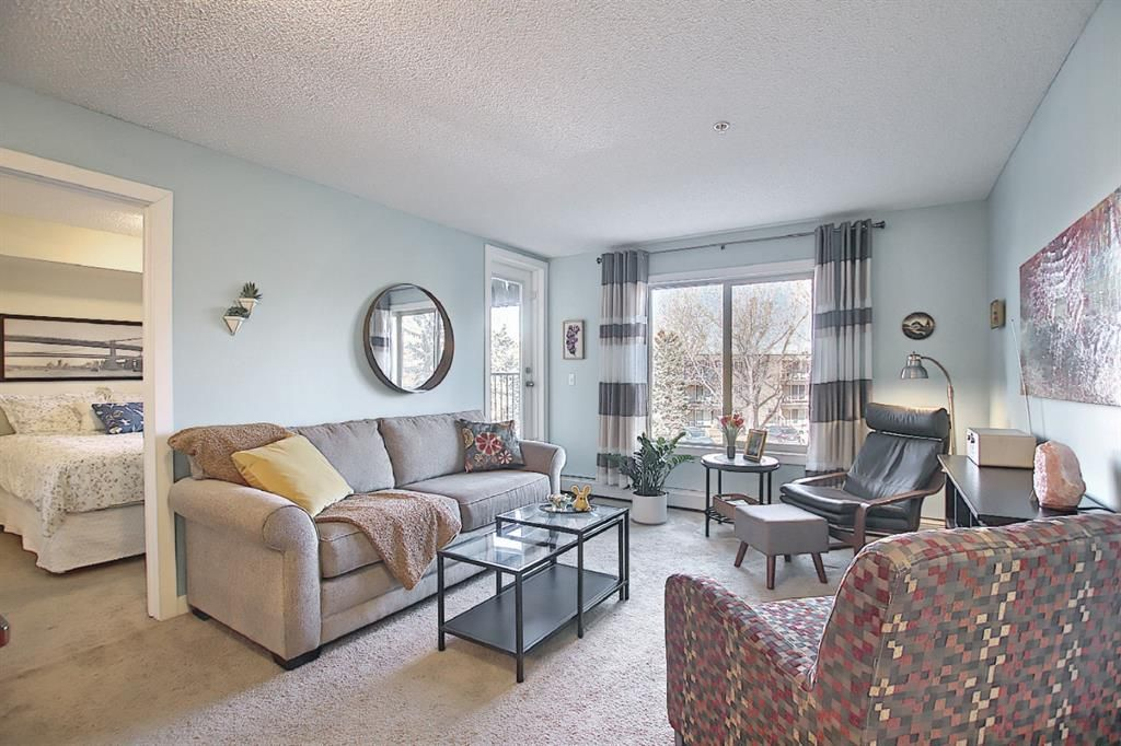 Main Photo: 3103 625 Glenbow Drive: Cochrane Apartment for sale : MLS®# A1089029