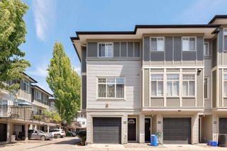 """Photo 4: 59 1010 EWEN Avenue in New Westminster: Queensborough Townhouse for sale in """"WINDSOR MEWS"""" : MLS®# R2595732"""