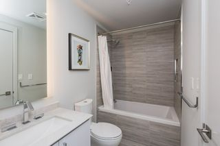 Photo 18: 3813 10360 102 Street in Edmonton: Zone 12 Condo for sale : MLS®# E4231481