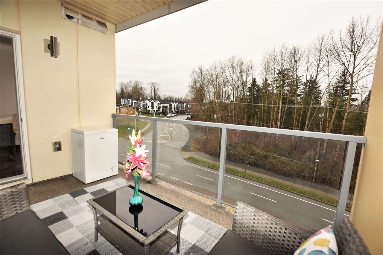 """Photo 14: Photos: 404 19228 64 Avenue in Surrey: Clayton Condo for sale in """"Focal Point"""" (Cloverdale)  : MLS®# R2535709"""