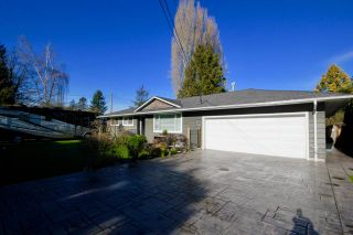 Photo 2: 5595 GROVE Avenue in Delta: Hawthorne House for sale (Ladner)  : MLS®# R2535639