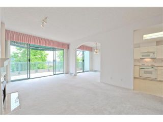 """Photo 4: 412 1785 MARTIN Drive in Surrey: Sunnyside Park Surrey Condo for sale in """"SOUTHWYND"""" (South Surrey White Rock)  : MLS®# F1419891"""