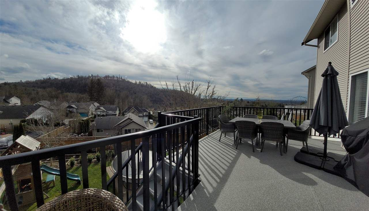 Main Photo: 35560 CATHEDRAL Court in Abbotsford: Abbotsford East House for sale : MLS®# R2549799