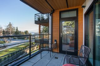 """Photo 24: 415 14855 THRIFT Avenue: White Rock Condo for sale in """"The Royce"""" (South Surrey White Rock)  : MLS®# R2538329"""