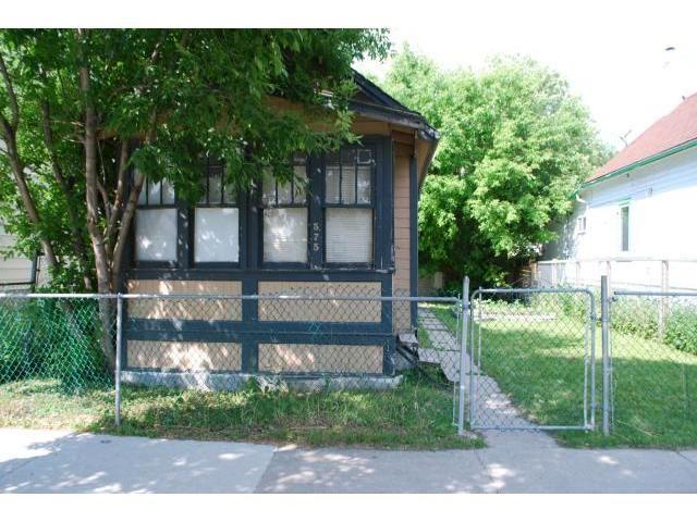 Main Photo: 575 Redwood Avenue in WINNIPEG: North End Residential for sale (North West Winnipeg)  : MLS®# 1314299
