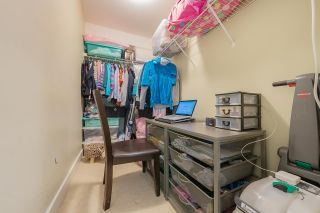 """Photo 17: 25 7428 SOUTHWYNDE Avenue in Burnaby: South Slope Townhouse for sale in """"LEDGESTONE"""" (Burnaby South)  : MLS®# R2590094"""