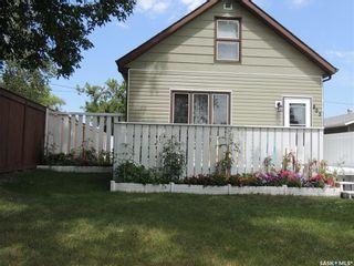Photo 3: 805 George Street in Estevan: Hillside Residential for sale : MLS®# SK834105