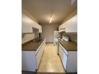 Photo 2: 105 6212 180 Street in Edmonton: Zone 20 Condo for sale : MLS®# E4261702