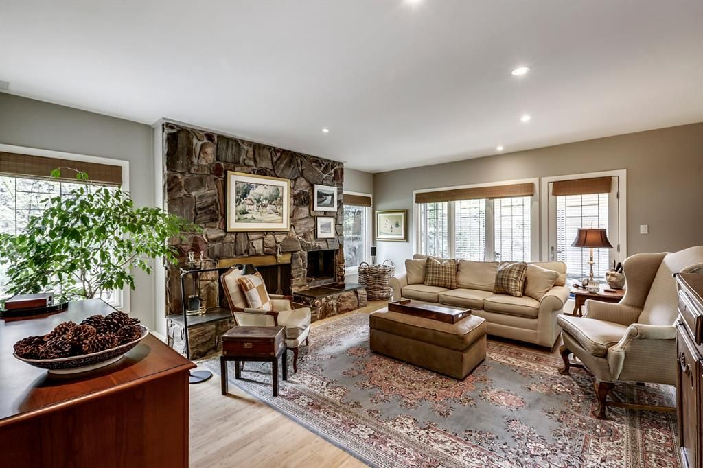 Photo 11: Photos: 2207 Amherst Street SW in Calgary: Upper Mount Royal Detached for sale : MLS®# A1062156