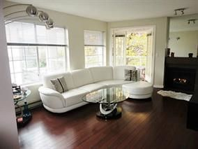 Photo 2: 205 125 W 18TH STREET in North Vancouver: Central Lonsdale Condo for sale : MLS®# R2042650