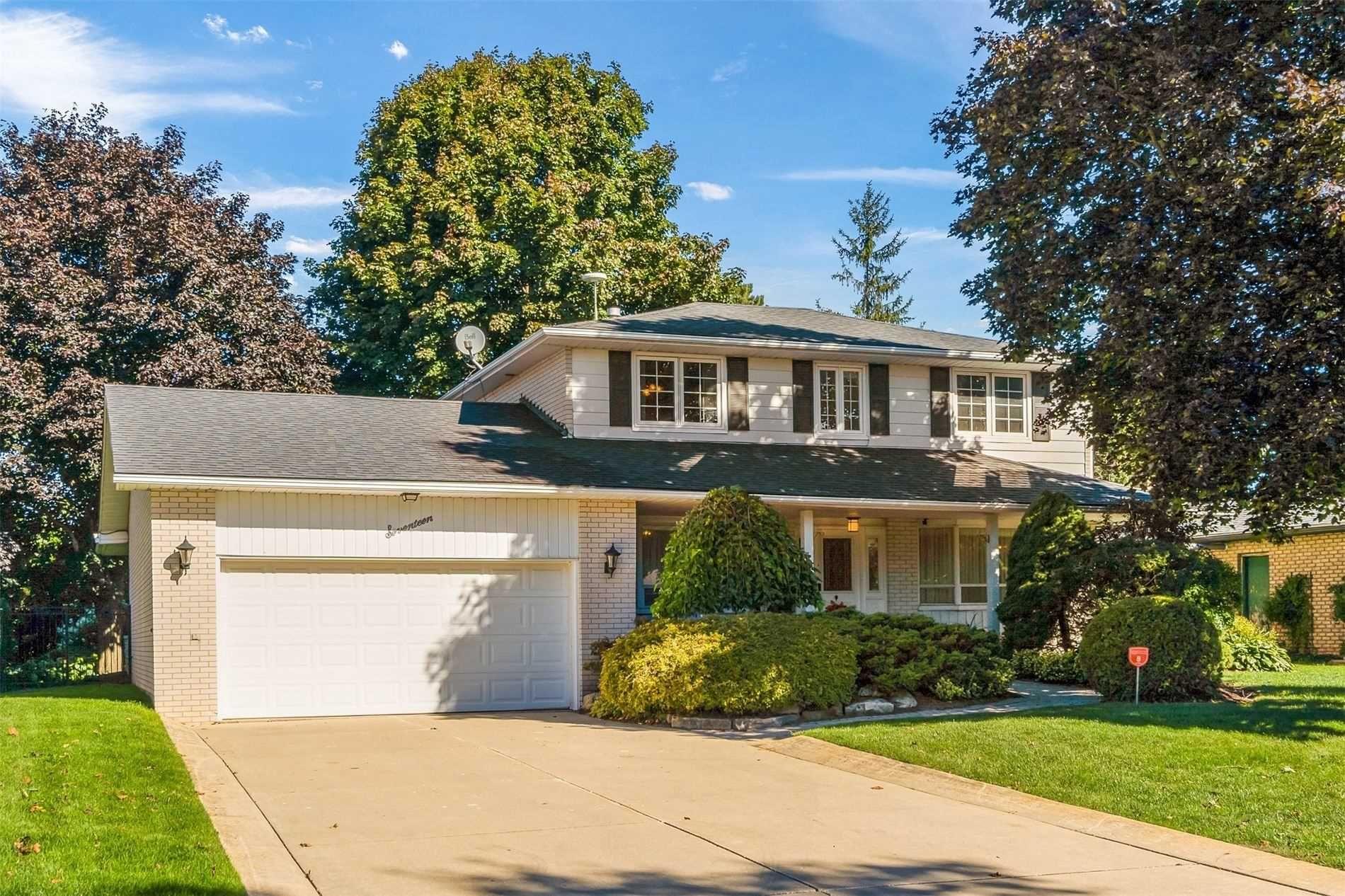 Main Photo: 17 Westdale Avenue: Orangeville House (2-Storey) for sale : MLS®# W5379114