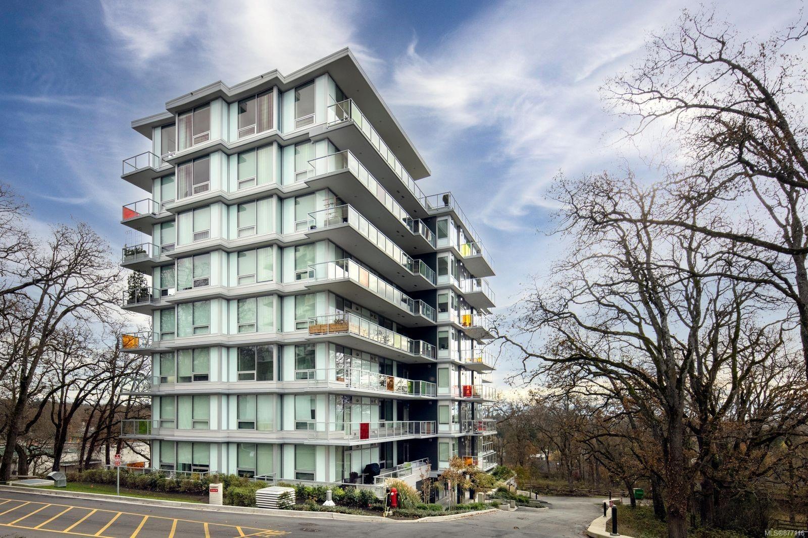 Main Photo: 605 4009 Rainbow Hill Lane in : SE High Quadra Condo for sale (Saanich East)  : MLS®# 877116