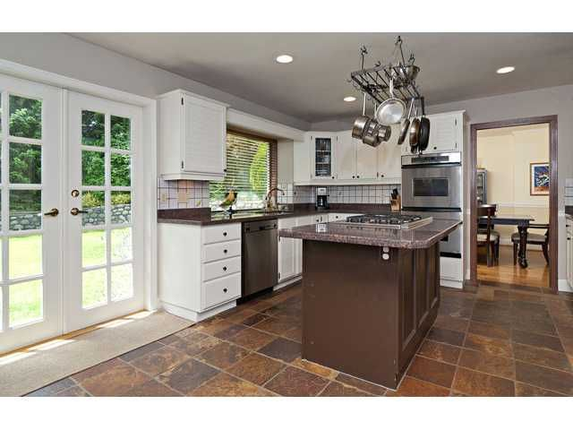 """Photo 8: Photos: 462 CONNAUGHT Drive in Tsawwassen: Pebble Hill House for sale in """"PEBBLE HILL"""" : MLS®# V1055875"""