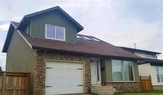 Photo 1: 148 RADCLIFFE Place SE in Calgary: Albert Park/Radisson Heights Detached for sale : MLS®# C4306448