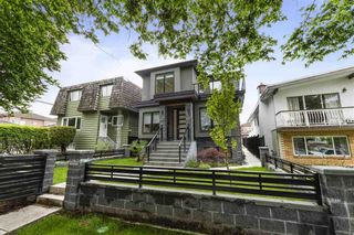 Photo 1: 3278 E 27TH Avenue in Vancouver: Renfrew Heights House for sale (Vancouver East)  : MLS®# R2455832