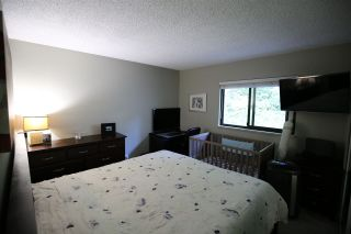 "Photo 9: 901 BRITTON Drive in Port Moody: North Shore Pt Moody Townhouse for sale in ""WOODSIDE VILLAGE"" : MLS®# R2290953"