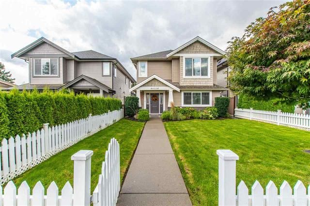 Main Photo: : House for sale : MLS®# R2409559